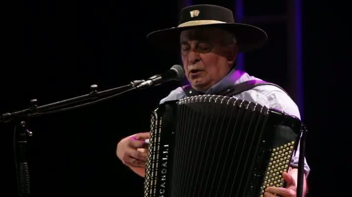 Luis Carlos Borges homenageia Gonzagão