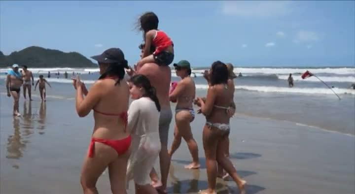 Com palmas, turistas encontram família de criança perdida