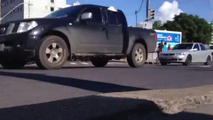 Começo do feriadão de Páscoa é marcado por congestionamento nas saídas de Porto Alegre. 28/03/2013