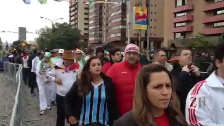Torcedores se deslocam ao Beira-Rio para jogo entre Argélia e Alemanha