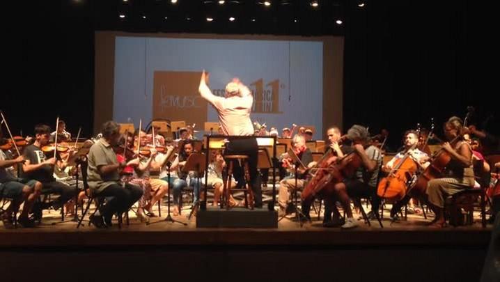 Orquestra dos professores do FEMUSC