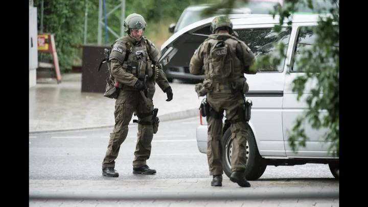 Tiroteio em shopping deixa mortos na Alemanha