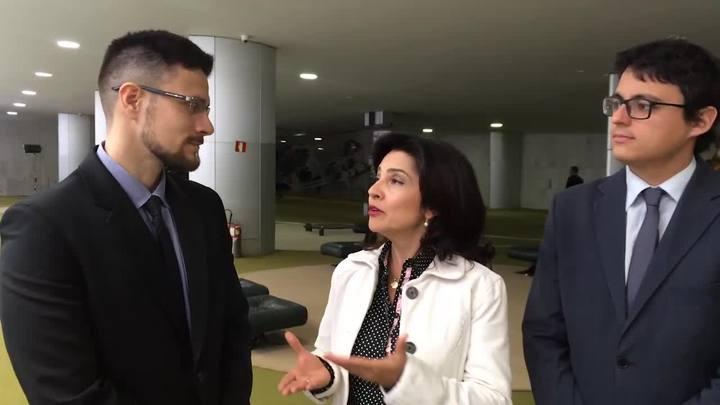 Carolina Bahia, Guilherme Mazui e Matheus Schuch projetam a semana em Brasília.