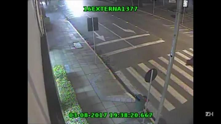 Motorista atropela idosa e foge sem prestar socorro em Dois Irmãos