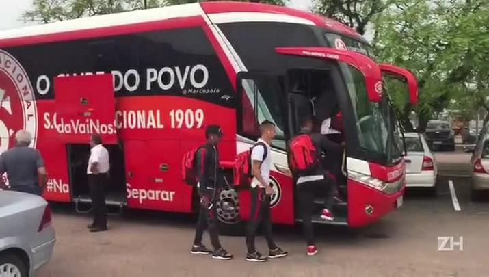 Após empate com o Boa, Inter chega a Porto Alegre