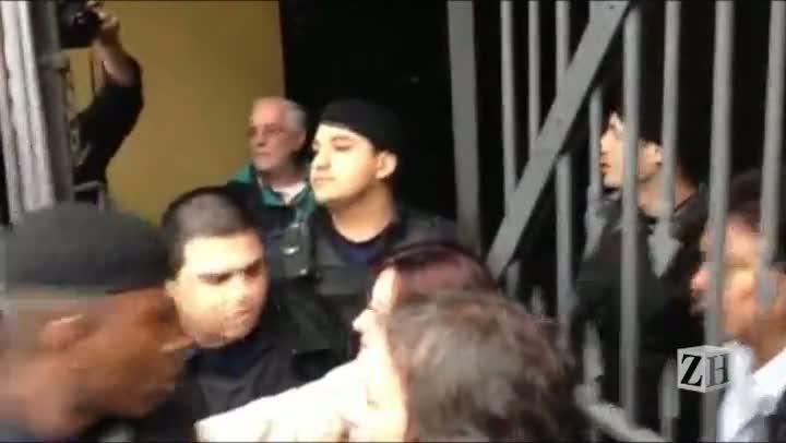Comerciante tenta invadir Mercado Público