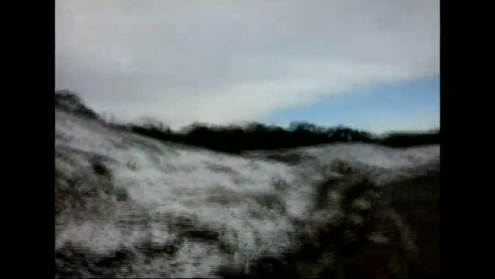 Moradores de Rancho Queimado registraram o momento em que a cidade ficou coberta por neve