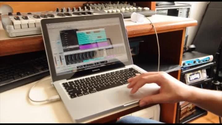 André mostra diferentes trilhas da música da Festa da Uva