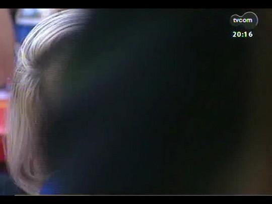 TVCOM 20 Horas - No dia de mais uma vitória do Brasil, a festa da torcida na capital gaúcha - Bloco 2 - 04/07/2014