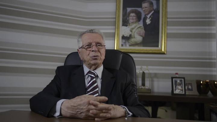 Zefiro Giassi, fundador dos supermercados Giassi, aposta nos valores da empresa para enfrentar a crise