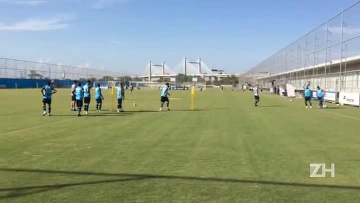 Grêmio faz treino técnico na tarde desta terça-feira