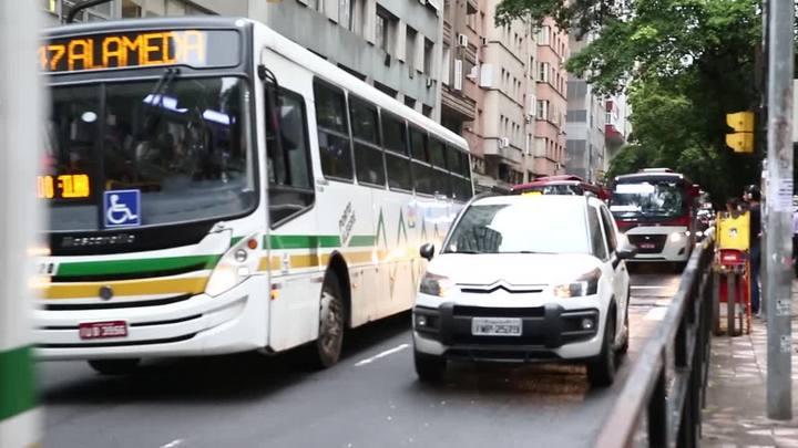 Vítimas relatam assaltos a ônibus e lotações