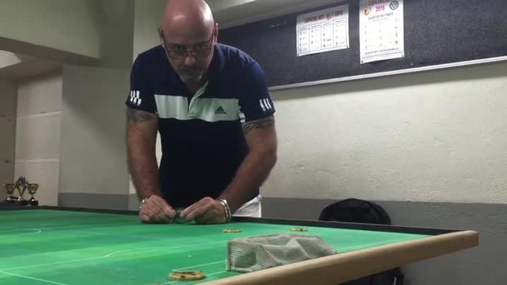 Há mais de 30 anos no Centro Histórico, bazar é especializado em futebol de mesa