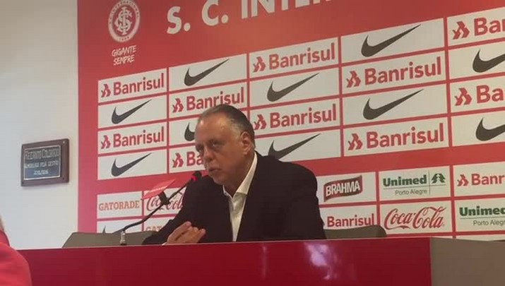 "Carvalho justifica multa a Anderson: \""Tem um contrato longo\"""