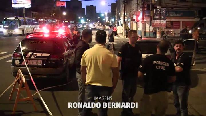 Passageiro é executado a tiros dentro de carro na Cidade Baixa
