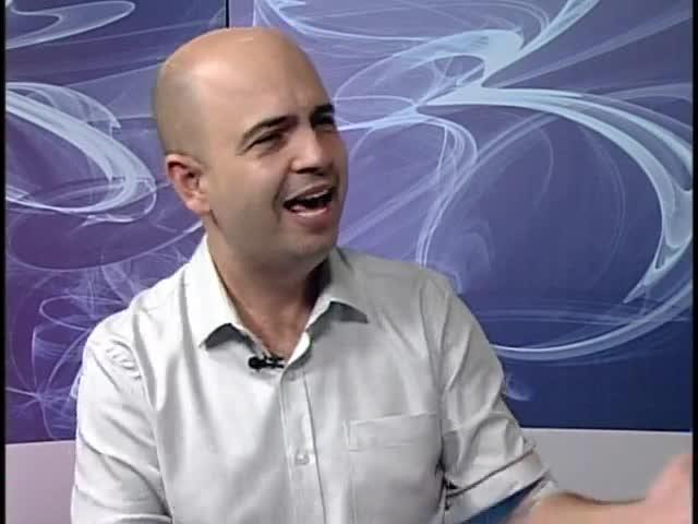 Na Fé - Clipes de música gospel e entrevista com o professor e maestro Paulo Brum - 06/10/2013 - bloco 2