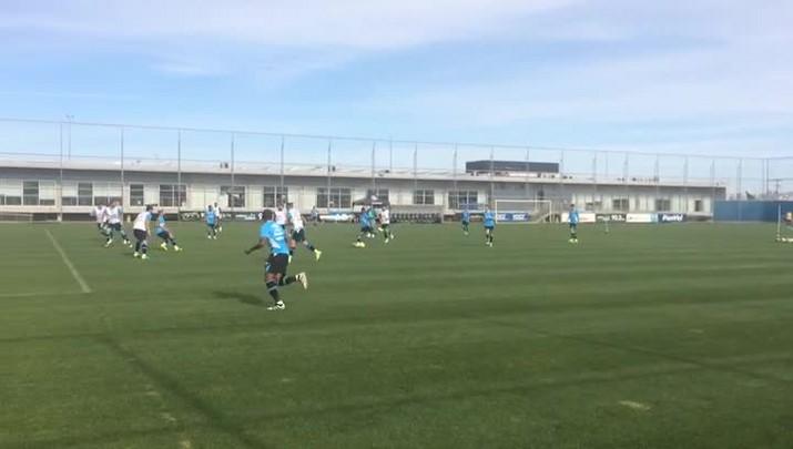 Lincoln faz golaço em treino do Grêmio