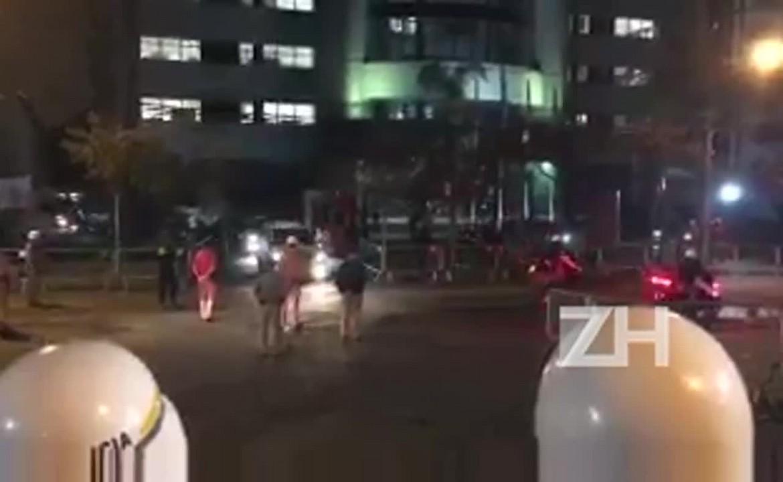 Comitiva do ex-presidente Lula deixa prédio da Justiça Federal em Curitiba