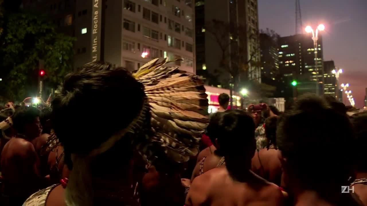 Indígenas protestam na Avenida Paulista