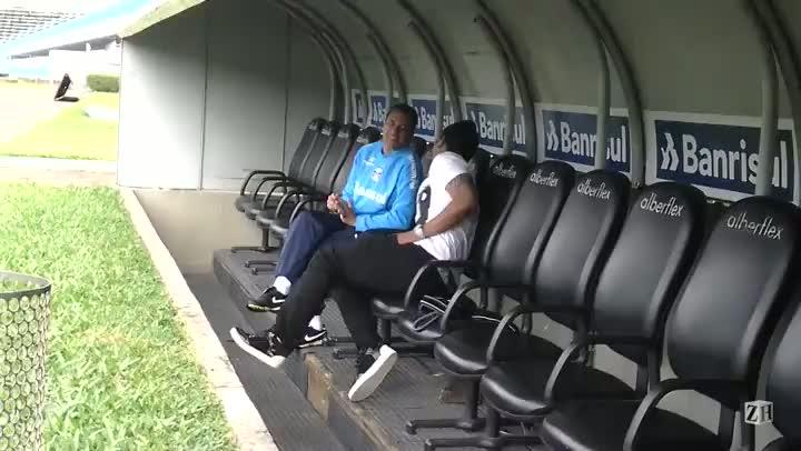 Em visita ao Olímpico, Anderson conversa com Luxa