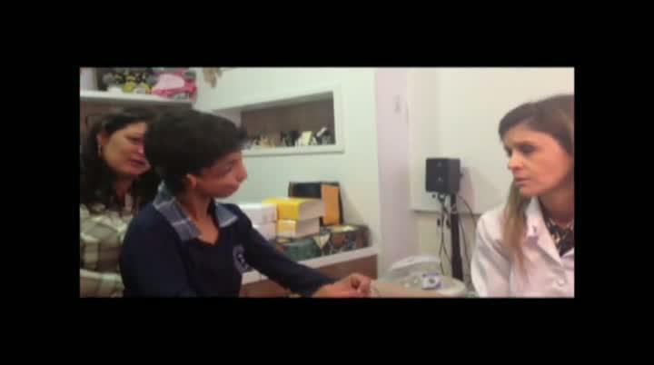 Vídeo mostra a reação de Gabriel ouvindo pela primeira vez
