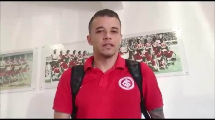 D\'Alessandro fala sobre sua renovação com o Inter - 09/10/2014