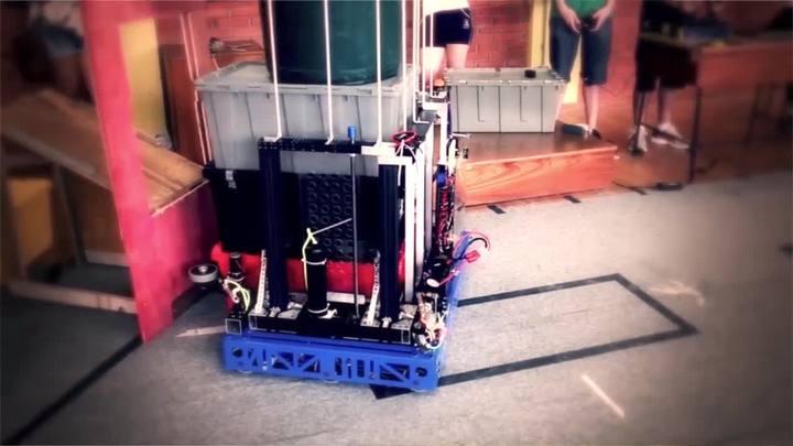 Estudantes de Novo Hamburgo disputam mundial de robótica