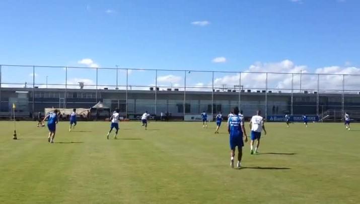 Grêmio treina para enfrentar o VEC