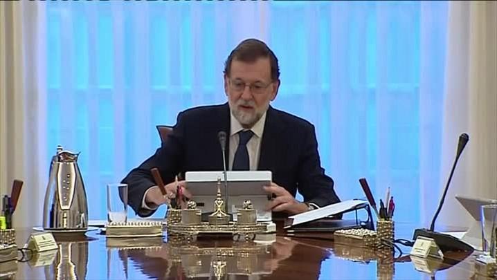 Madri ameaça suspender autonomia da Catalunha