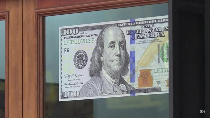 Com queda do petróleo, dólar sobe forte