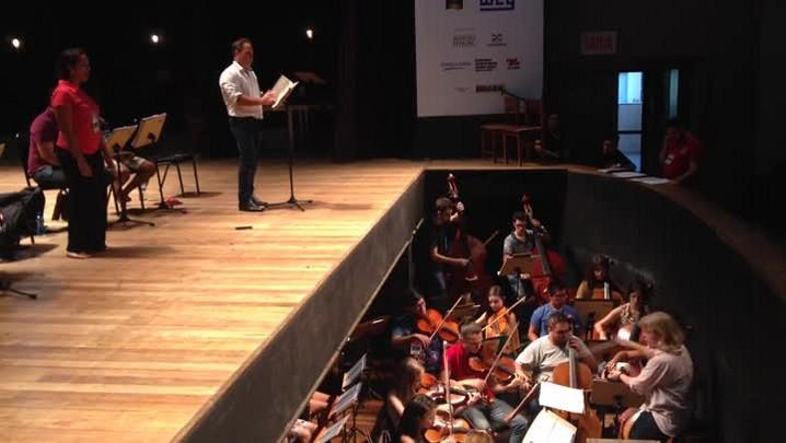 Confira como foi o ensaio da ópera Carmen no 11° Femusc realizado grande teatro da Scar em Jaraguá do Sul