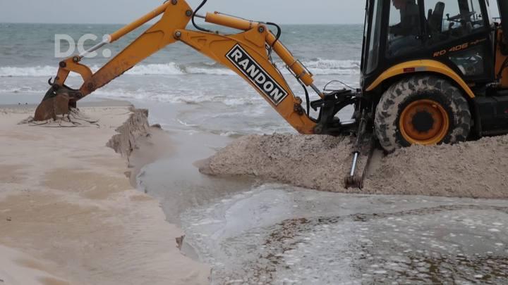 Prefeitura inicia as obras de recomposição da faixa de areia na Praia de Canasvieiras