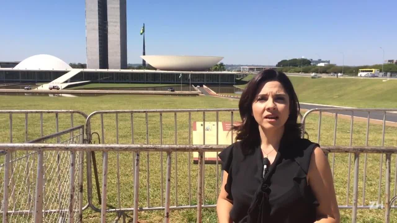 Carolina Bahia: PT transforma depoimento de Lula em ato político com apoio de parlamentares