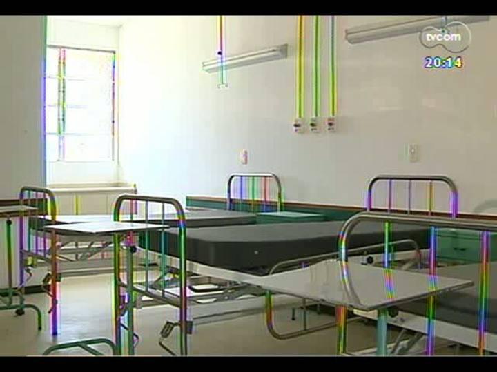 TVCOM 20 Horas - Desperdício de dinheiro público: hospital de Barra do Ribeiro está abandonado - Bloco 2 - 02/05/2013