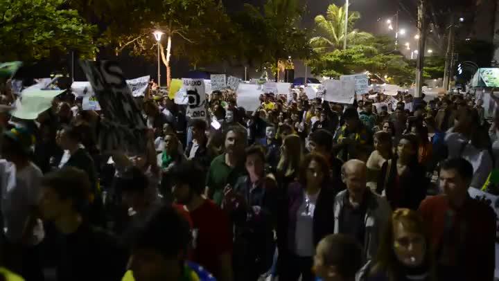 Manifestação em Balneário Camboriú