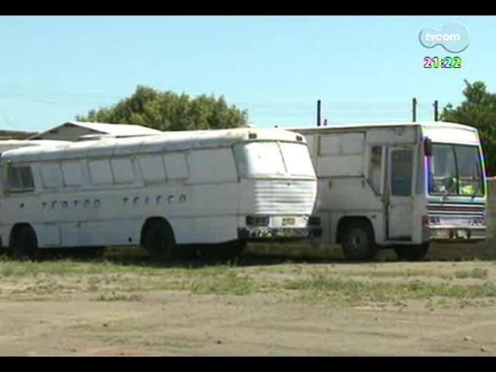 TVCOM Tudo Mais - Reportagem sobre a atual situação da família que formava a companhia de circo Teatro Teleco