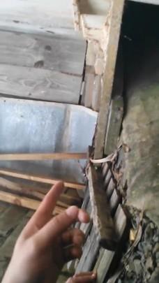 Bombeiros resgatam filhote de cachorro em tubulação