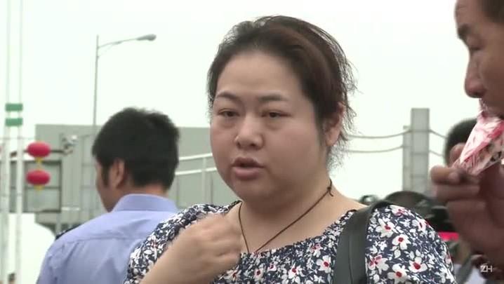 Familiares acompanham resgate das vítimas de naufrágio na China
