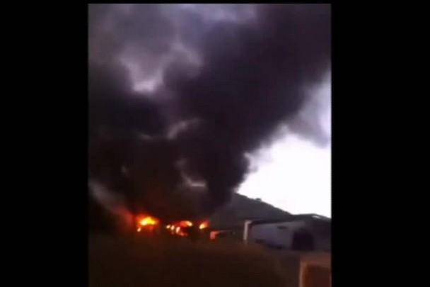 Incêndio destrói depósito em São Francisco do Sul