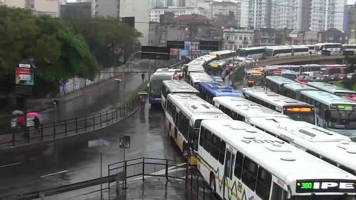 Em dia de protestos, Porto Alegre tem transtornos no trânsito