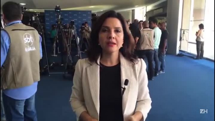 Carolina Bahia: Senadores a favor do impeachment querem acelerar sessão