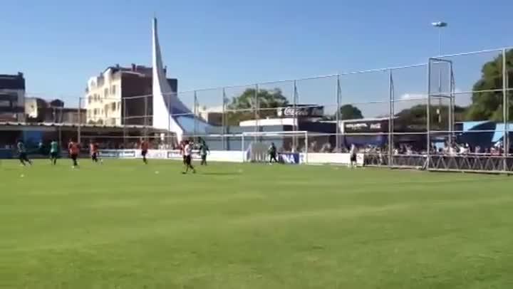 O primeiro treino do Grêmio com bola em 2013