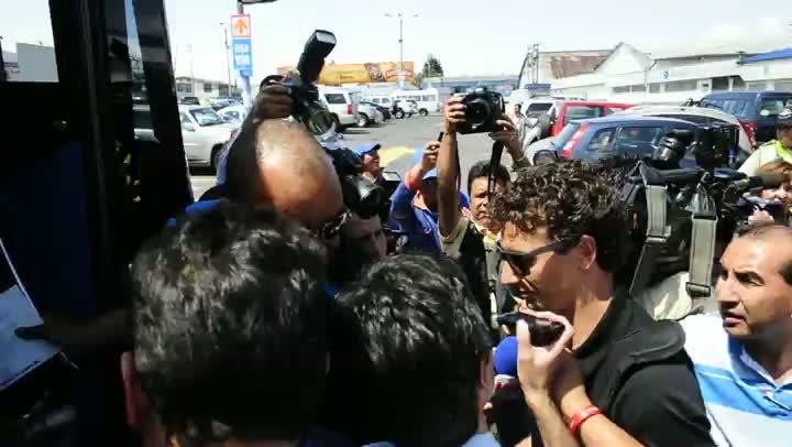 Com desembarque tumultuado, Grêmio chega ao Equador
