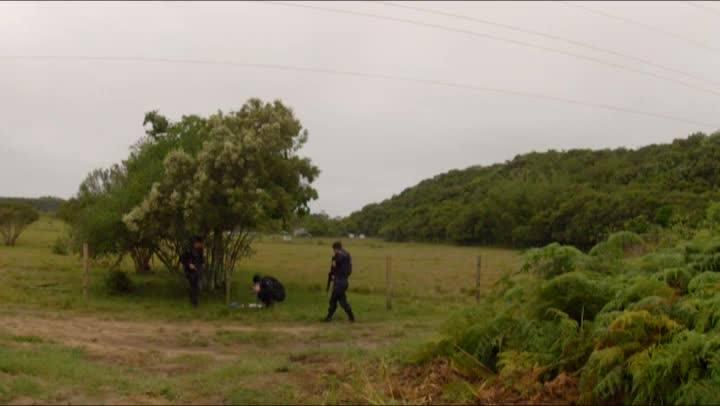 Operação policial busca cativeiro de adolescente sequestrado