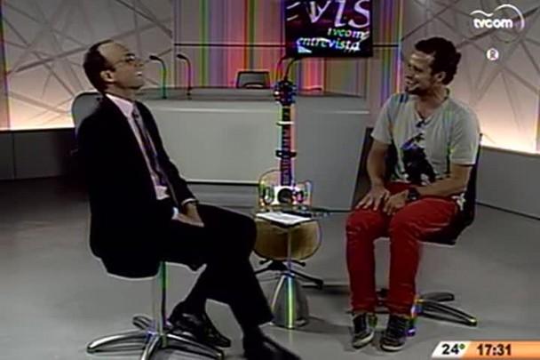 TVCOM Entrevista - Teco Padaratz fala sobre surf e seus projetos para a música - 1º Bloco - 01/11/14