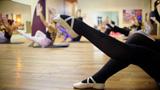 Balé fitness alia benefícios da dança com alta queima de calorias