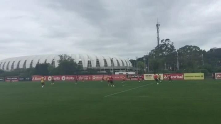 Argel treina ataque contra a defesa e testa Inter com três zagueiros