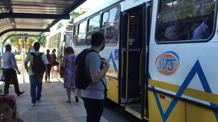 Usuários opinam novos ônibus e aumento de tarifa