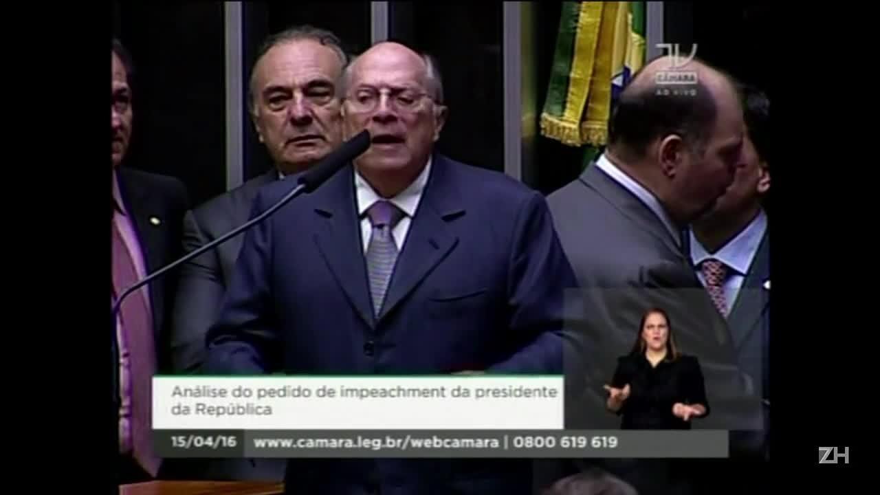 Miguel Reale e Cardozo fazem acusação e defesa de Dilma