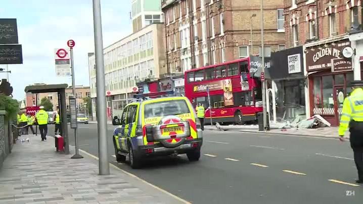 Acidente de ônibus em Londres